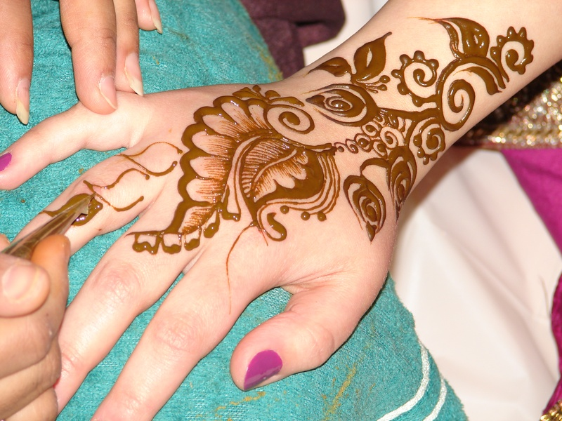 henna art | Mime Artist | Event Entertainment | Event Company Malaysia | Event Planning in Kuala Lumpur Malaysia | Event Management Malaysia | Annual Dinner Malaysia | Entertainment Malaysia